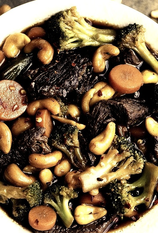 Cashew Beef and Broccoli Stir Fry